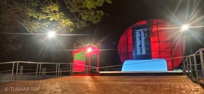 তৃনমূলে মুক্তিযুদ্ধ: মুন্সীগঞ্জে ২৯ মার্চ  লাল সবুজের পতাকা উত্তোলন করা হয়