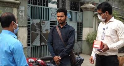মাস্ক না পরলে 'বেতের বাড়ি' আইনের প্রস্তাব